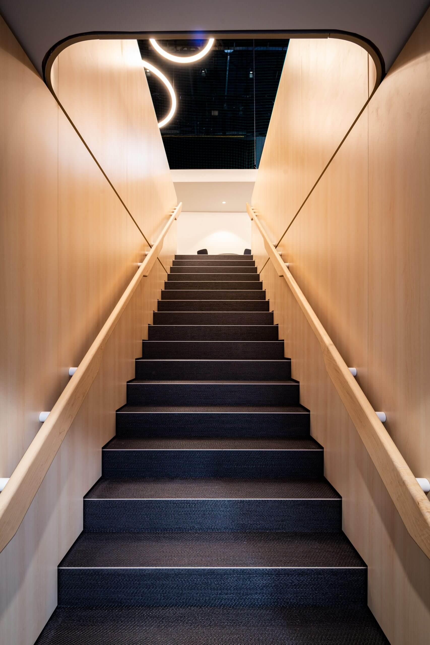 06_HYUNDAI_Photo-Staircase-©Hyundai-Motor-Company